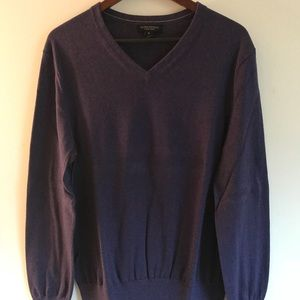 Banana Republic sweater Luxury brand